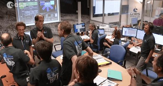 Alegría entre los científicos e ingenieros implicados en la misión Rosetta / Vídeo ESA