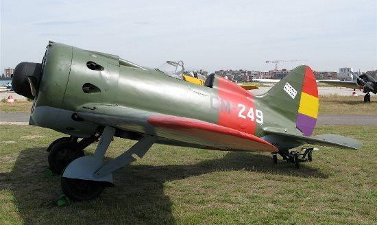 Polikarpov I-16 / Enrique Cortés