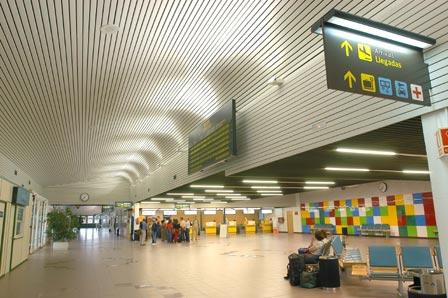 Terminal del Aeropuerrto de Vitoria / Aena
