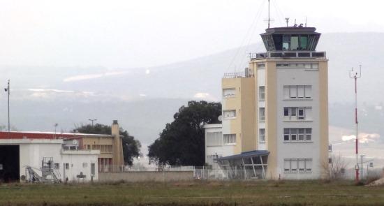 Torre de control del aeropuerto de Perpignan