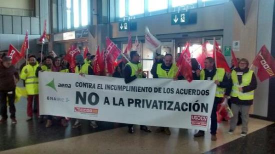 Protesta de los grabajadores del aeropuerto de Alicante / USO