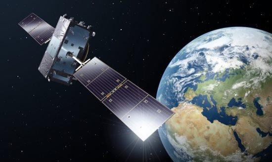 Representación de un satélite Galileo en órbita