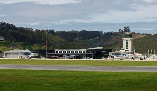 Campo de vuelo del Aeropuerto de A Coruña / Aena