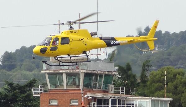 Uno de los helicópteros de la campaña que estará operativo en Cataluña / JFG