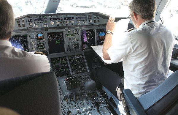 Pilotos de un A380 de Lufthansa / AeroTendencias