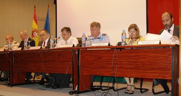 Mesa presidencial con todas las instituciones organizadoras representadas