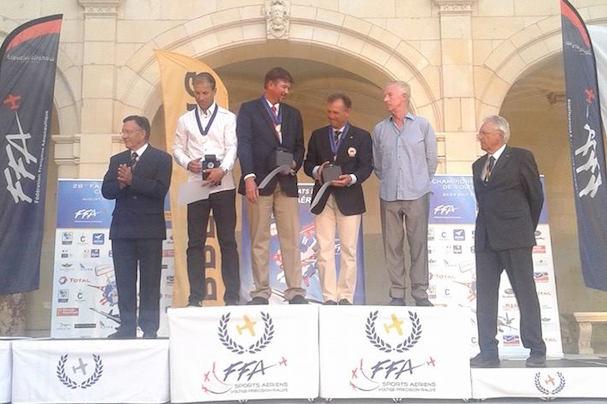 Cástor Fantoba, en el podio del Mundial de Acrobacia