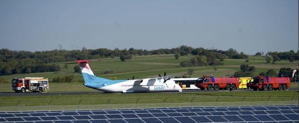 El avión de Luxair, en la pista de