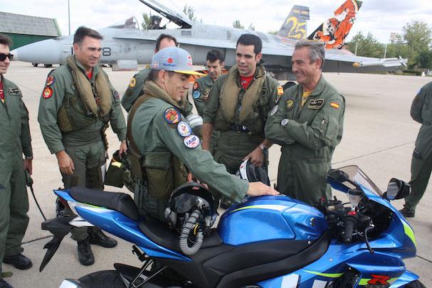 Mavericks Viñales, con pilotos de la base aérea de Zaragoza / Ministerio de Defensa