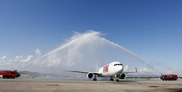 El Boeing 767 de TAM Airlines, al llegar hoy a Barcelona