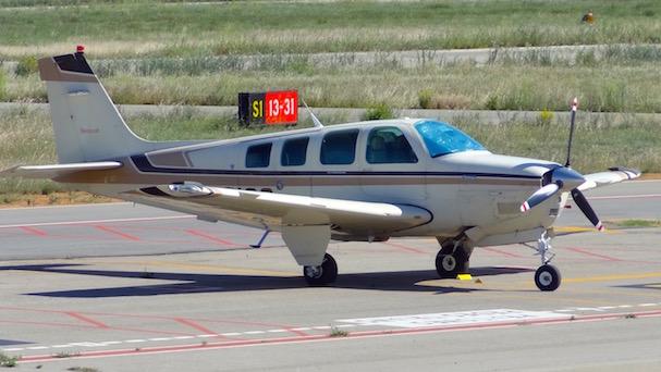 Un avión privado, en el Aeropuerto de Sabadell