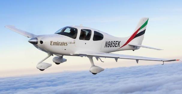 Cirrus SR22 / Emirates