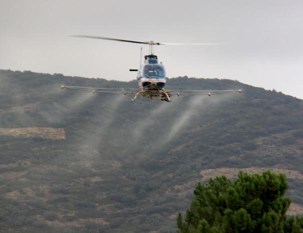 Fumigación con helicóptero / Generalitat de Cataluña