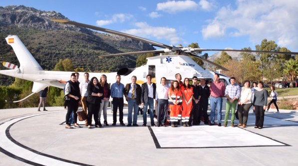 Autoridades locales y regionales, en el helipuerto / Junta de Andalucía