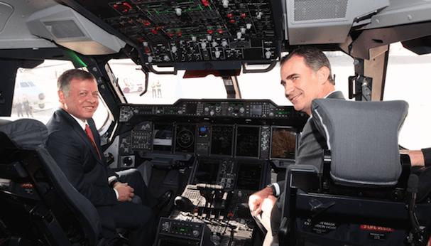Los monarcas, en el cockpit del A400M / Casa de el Rey
