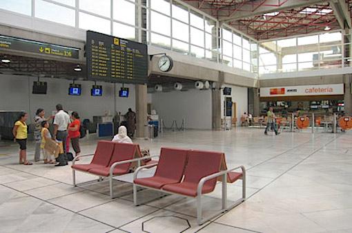 Terminal del Aeropuerto de Melilla / Aena