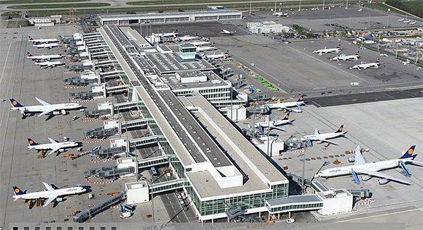 Vista aérea de la terminal satélite