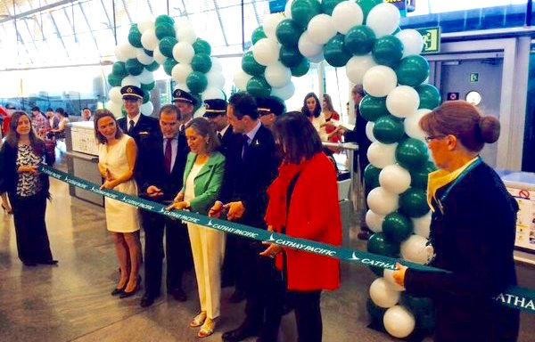 Cathay pacific incia hoy vuelos directos entre madrid y for Oficinas aena madrid