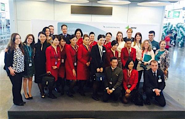 Tripulación del vuelo inaugural de Cathay Pacific