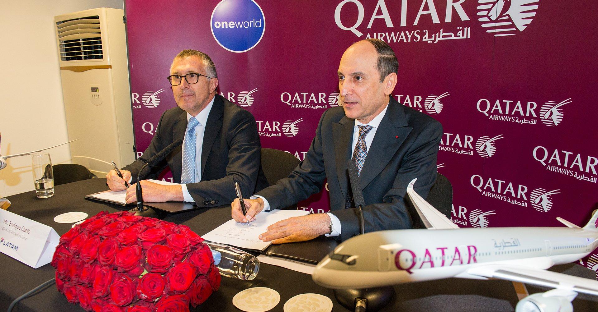 Los CEO de LATAM y Qatar Airways firman el acuerdo