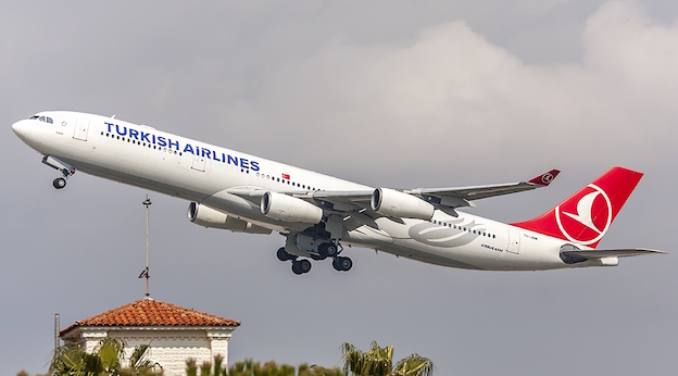 Airbus A340 de Turkish Airlines / Pere Escala