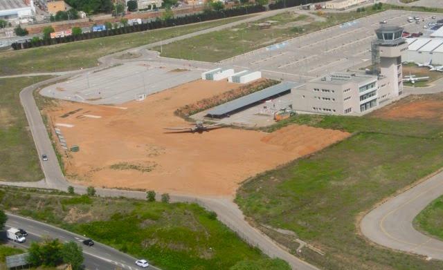 Vista aérea del solar en el que se levantará el Museo-Jardín / Fundació Parc Aeronàutic de Catalunya