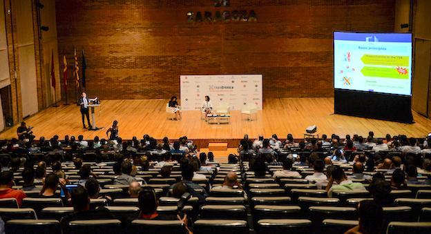Imagen de la sala dedicada a las conferencias de Expodrónica / Jaime Oriz