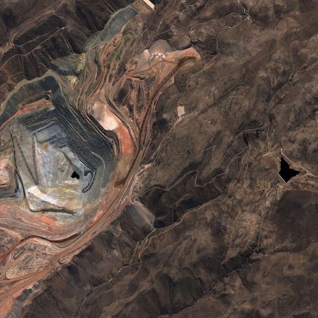 Imagen de la mina Cuajone, captada por PerúSAT / CONIDA