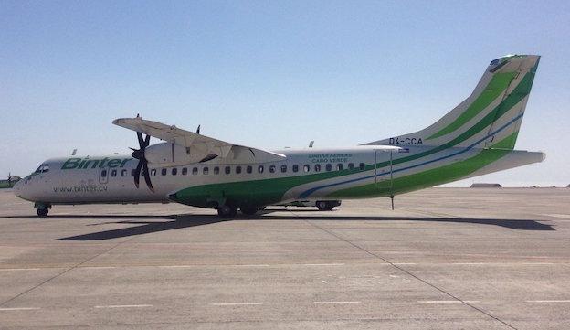El avión, con la matrícula de Cabo Verde / @BinterCanarias