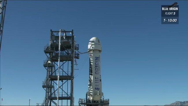 El cohete antes del lanzamiento / Blue Origin