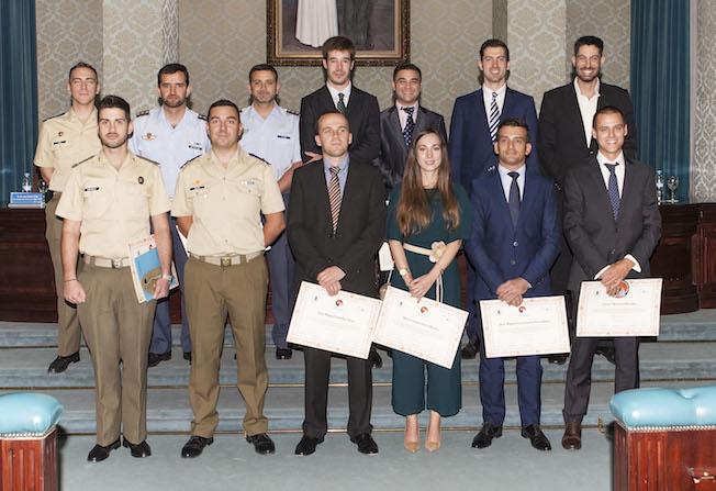 Foto e grupo de los asistentes al máster / ETSIAE - UPM