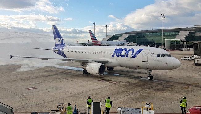 Llega a barcelona el primer vuelo de la nueva low cost for Vuelos de barcelona a paris low cost